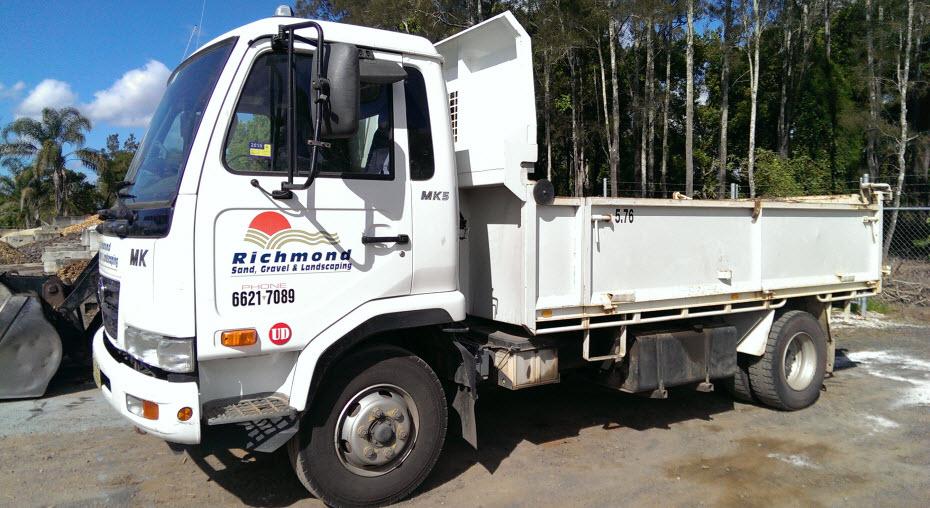 Split Tray Truck